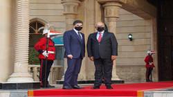 صالح يستقبل رئيس إقليم كوردستان في قصر السلام