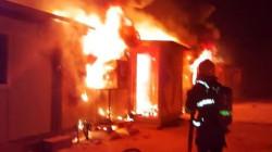 الأنبار.. مصرع امرأة و3 أطفال في حريق بمخيم للنازحين