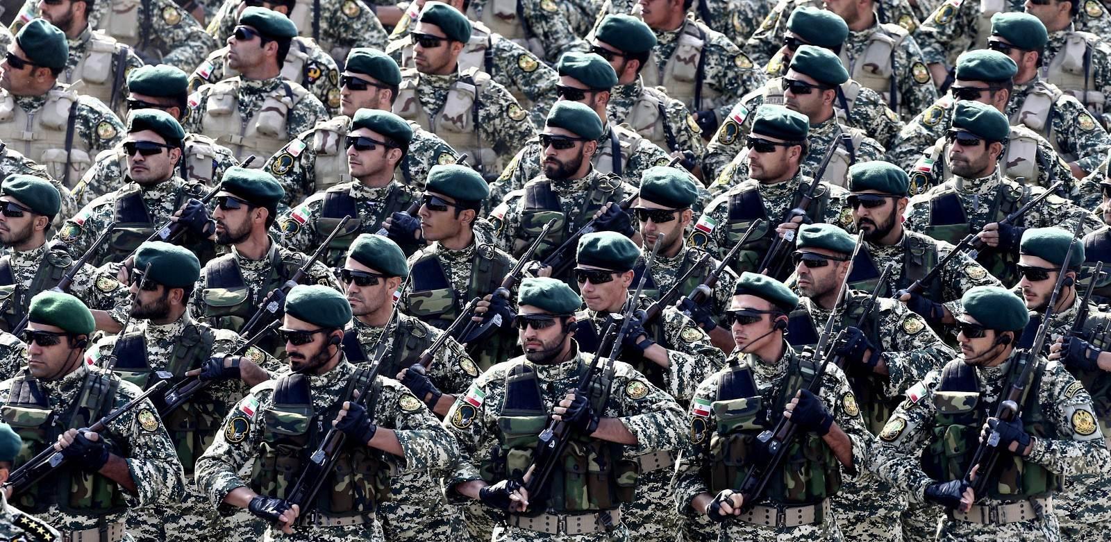 خامنئي يدعو الجيش إلى رفع جاهزيته وسط توتر مع إسرائيل