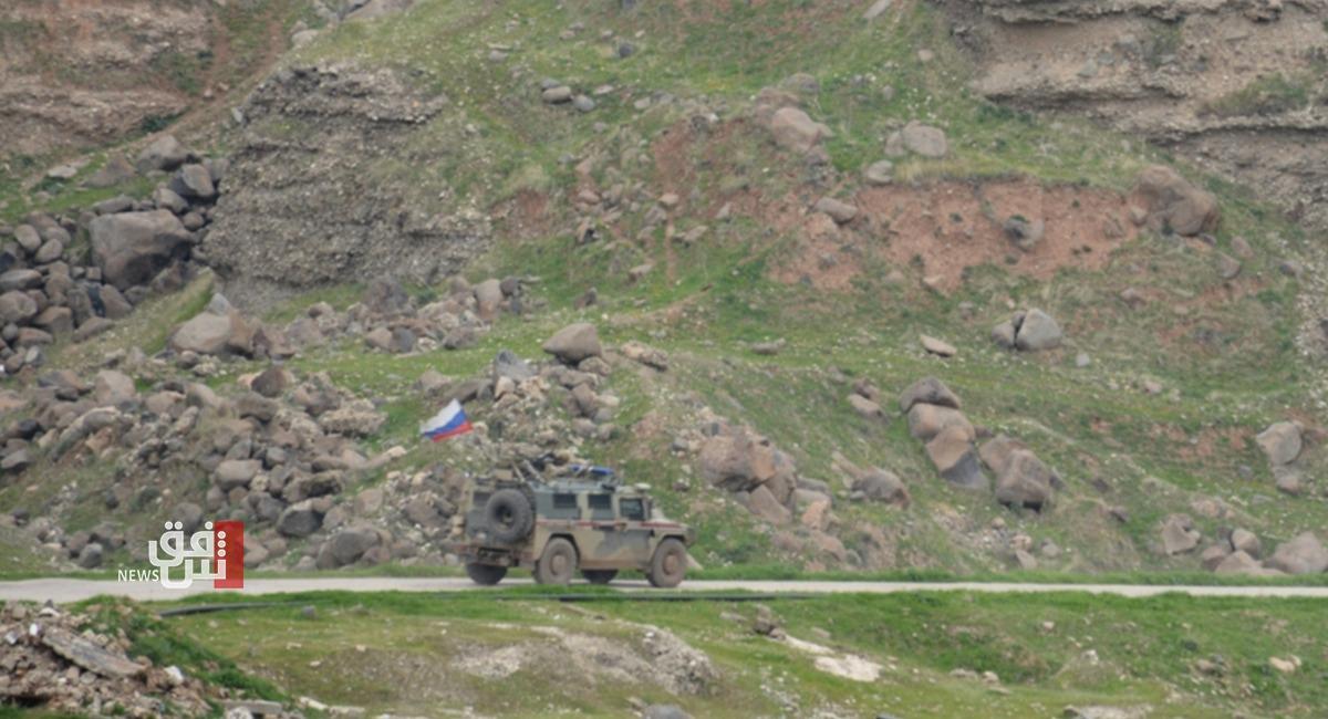 صور.. دورية روسية على حدود الادارة الذاتية وتركيا