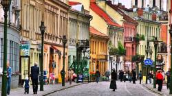 لقاحات كورونا تدفع اوروبا لإعادة فتح السياحة أمام الأمريكيين