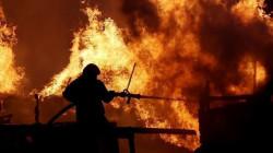 سقوط ضحايا في حريق بمنطقة صناعية في إيران