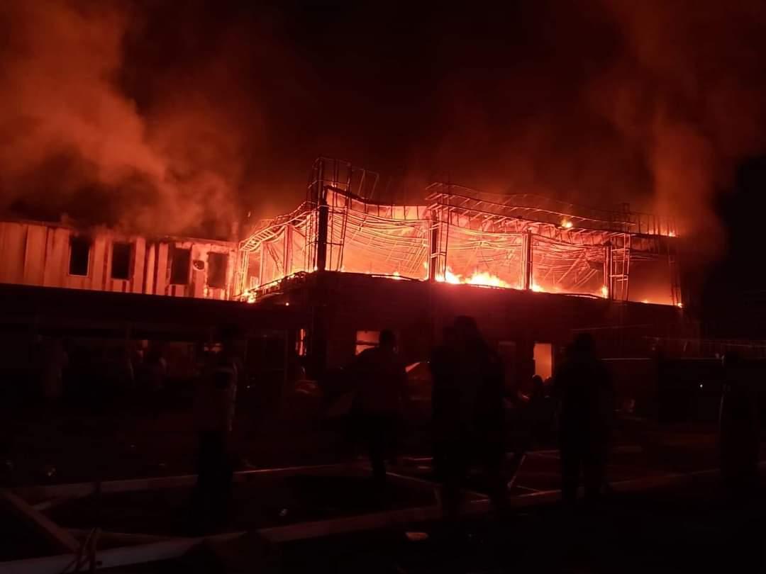 ديالى.. حريق هائل يلتهم مجمعا تجارياً (فيديو)
