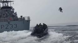 فيديو مذهل.. بريطانيا تختبر بذلة تحلّق بجنودها عاليا