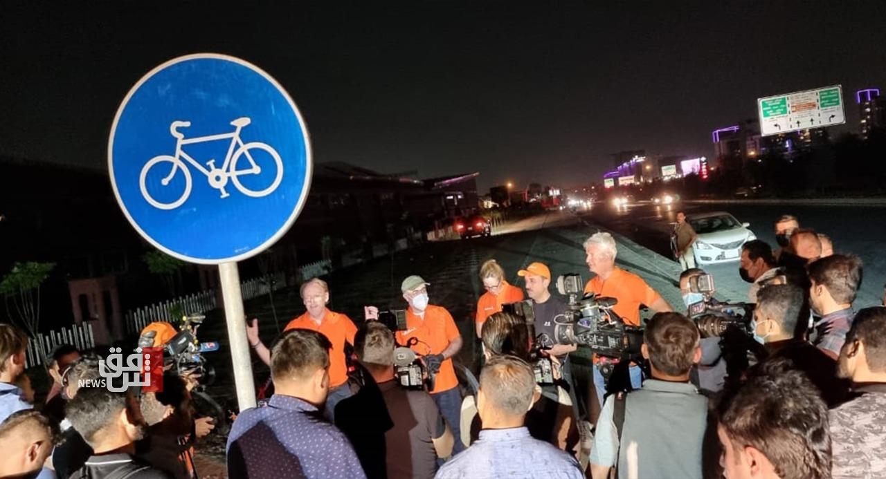 """أربيل.. مسؤولان ودبلوماسي في بادرة لتشجيع قيادة """"الدراجة الهوائية"""""""