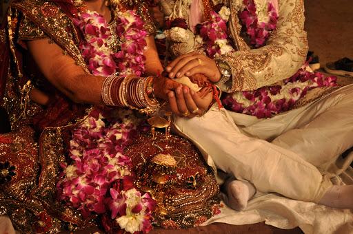 بسبب اختبار جدول الضرب.. عروس تغادر مراسم الزواج و تترك زوجها