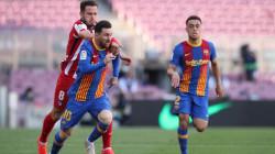برشلونة وأتلتيكو يتعادلان ويضعان لقب الدوري في متناول الريال