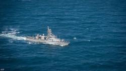 سفينة أميركية تطلق النار في مواجهة قوارب إيرانية
