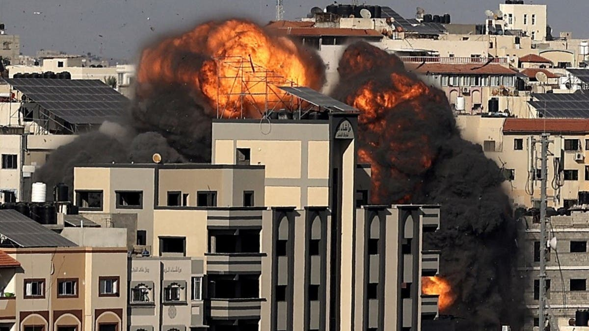 4 صواريخ إسرائيلية تدمر موقعاً لحماس في غزة