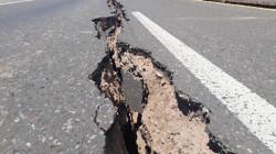 """زلزال """"قوي"""" يضرب إيران يتسبب بإنهيار أبنية وإصابات بشرية"""
