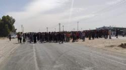 ديالى.. متظاهرون يقطعون طريقاً استراتيجياً مطالبين بالكهرباء