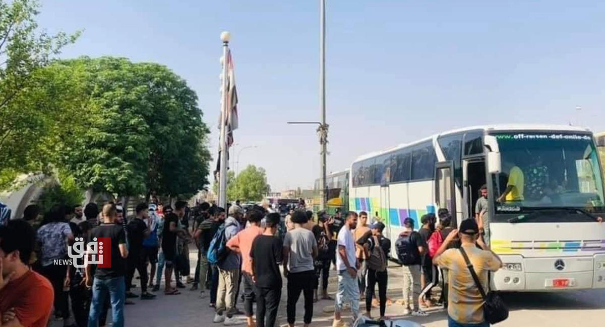 العراق يسمح للمئات من مواطنيه بعبور الحدود للوصول إلى فلسطين.. فيديو