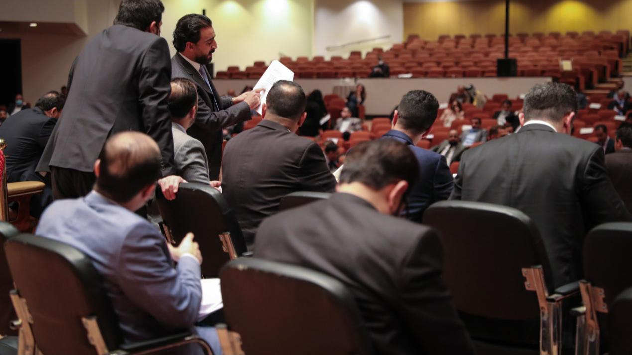 Influential forces disrupt parliamentary sessions to prevent the lifting of the immunity of some deputies