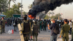 إصابات خطرة بصفوف المتظاهرين بإطلاق رصاص حي في ساحة التحرير