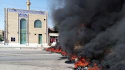 الناصرية تستيقظ على تظاهرات رافقها حرق للإطارات وبوابة لدائرة حكومية