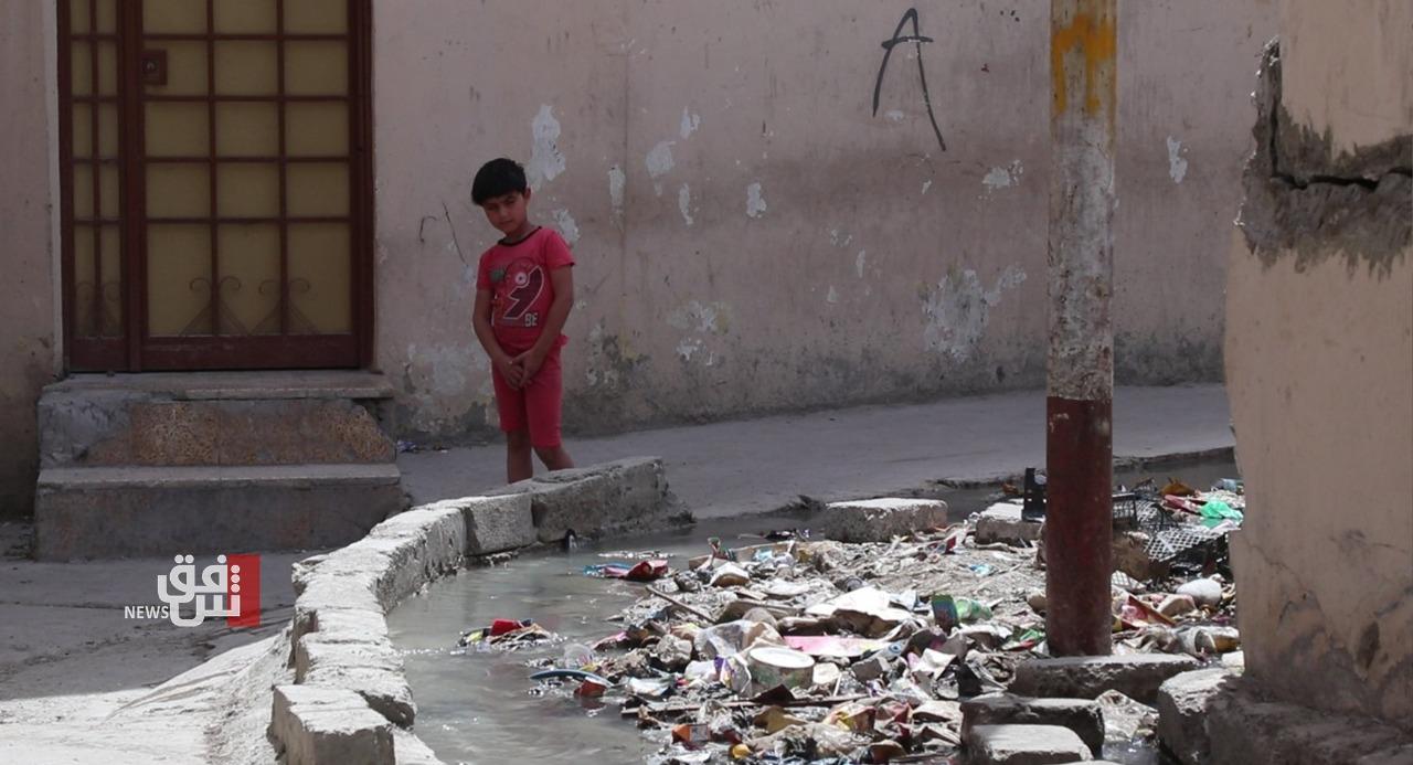 """الموصل القديمة تغرق بالنفايات والأمراض تداهم اطفال محلة """"الدقيم"""" (صور)"""