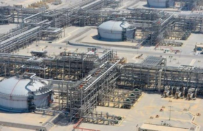 إيران تبرم ثلاثة اتفاقات لدراسة موقع نفطي عملاق مع العراق