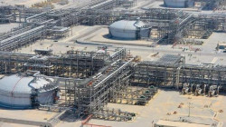 Iran to Sign Deals With Local Firms to Study Azadegan Oil Field