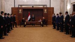 العراق والصين يوقعان عقداً لإعادة تأهيل مطار الناصرية الدولي