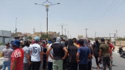 محتجون غاضبون يغلقون مبنى الحكومة المحلية في ذي قار