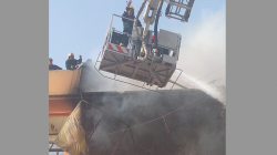Ten firefighting teams join efforts to extinguish a fire in the east of Baghdad