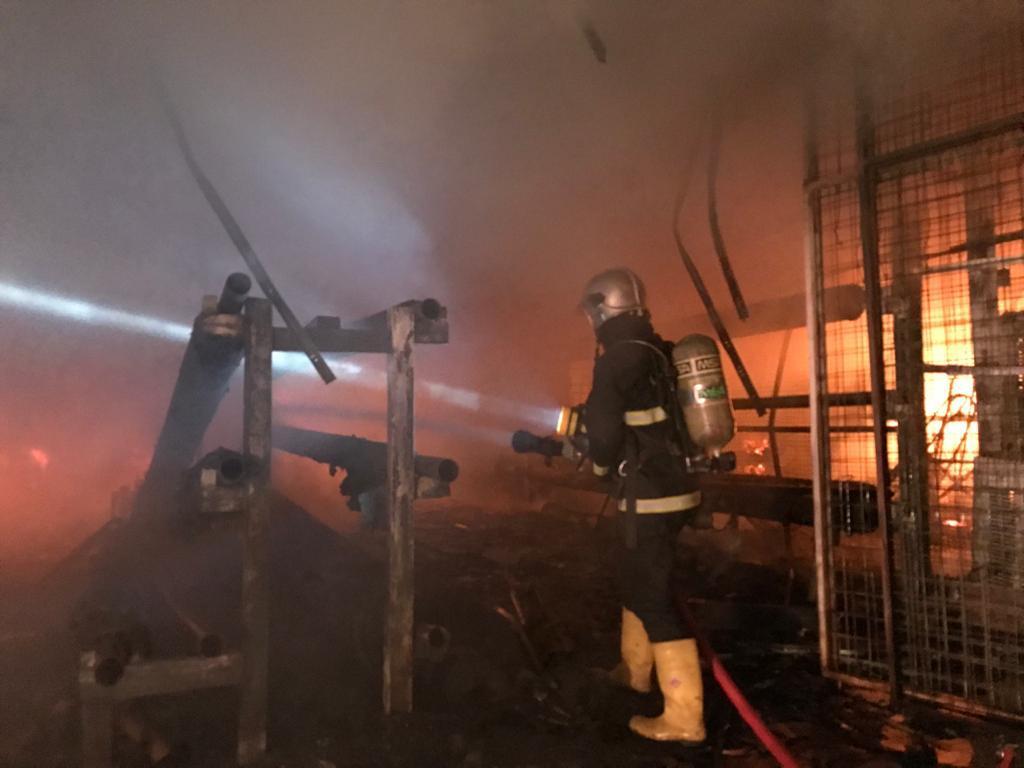 Fire breaks out in 17 shops in Baghdad
