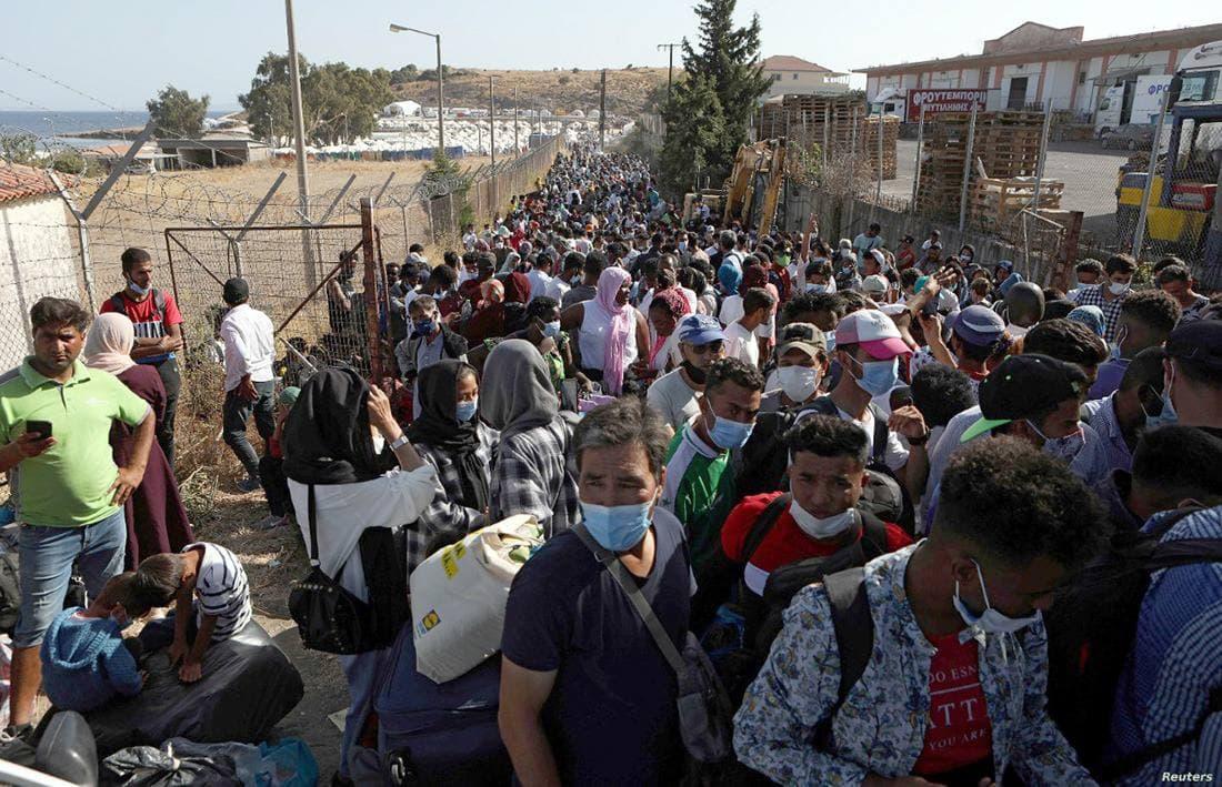 لاجئون عراقيون يقودون تمرداً في مخيم بدولة أوروبية