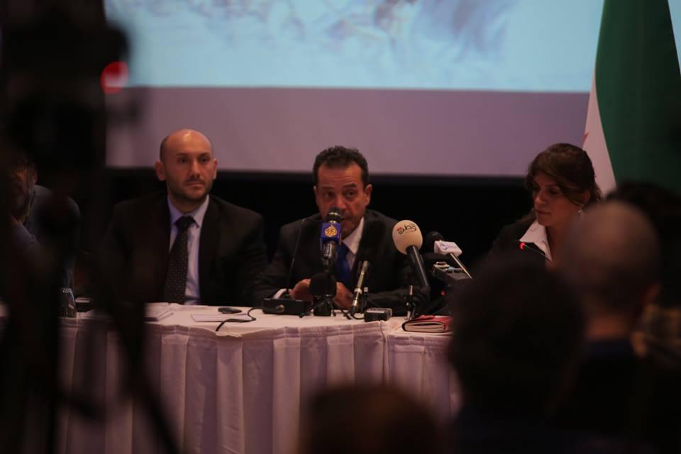 """معارض سوري يعلن انسحابه من """"الائتلاف"""" بسبب """"مواقفه المتخاذلة"""""""