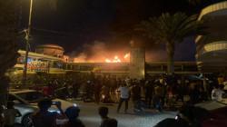 الناصرية.. حريق يلتهم مجمعاً تجارياً وأطفال يعلقون في مصعد