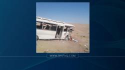 مصرع وإصابة 15 شخصا بإنقلاب حافلة لنقل الركاب شمال شرق بعقوبة