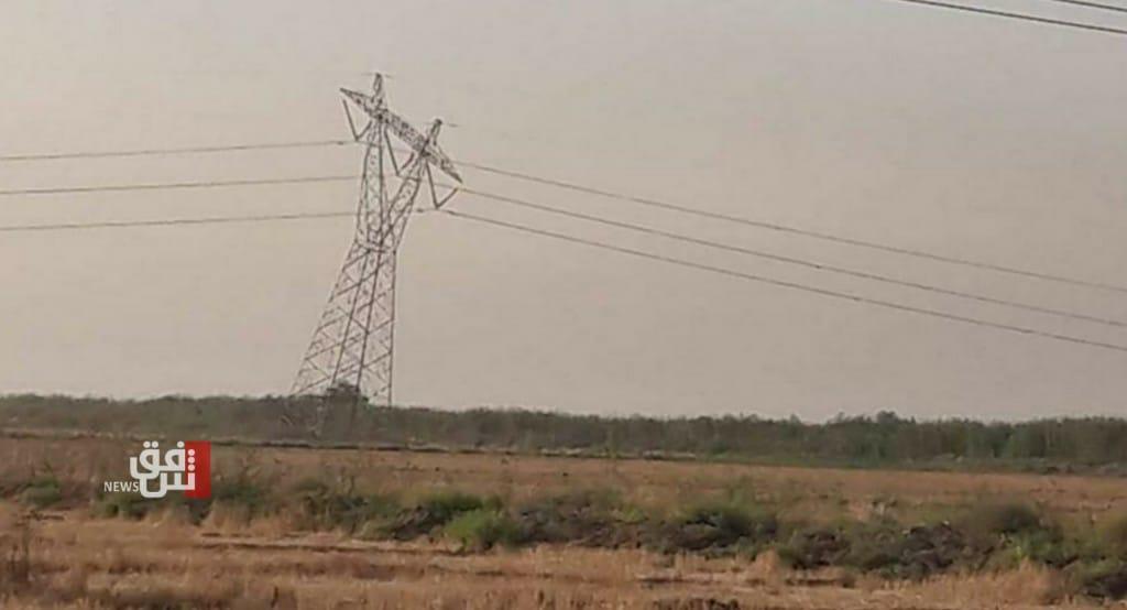 انقطاع الطاقة عن مناطق واسعة.. تفجير برجين للكهرباء في ديالى
