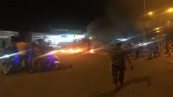 محتجون غاضبون من تردي الكهرباء يقطعون شارعاً رئيسياً في ذي قار