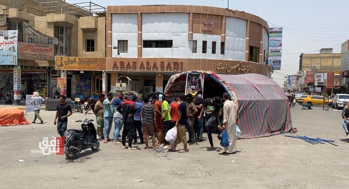 نصب خيام اعتصام في محافظتين وسط وجنوبي العراق