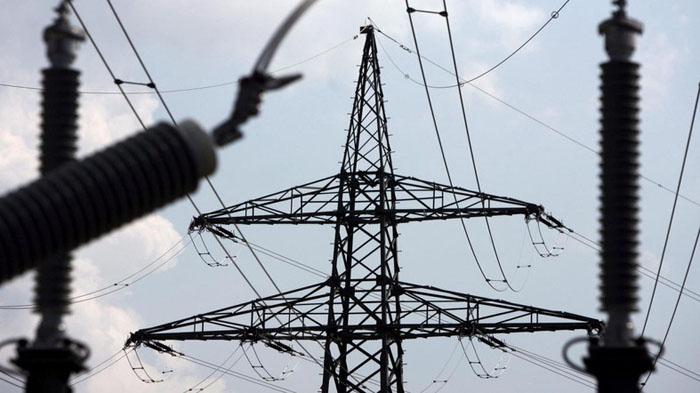 وزارة الكهرباء تفصح عن أسباب الإنقطاع التام للطاقة في العراق