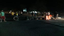 شرارة احتجاجات الكهرباء تصل النجف وقطع للطرق