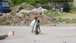 الغلاء والفقر يجبر الكثيرين على نبش القمامة في ديرك