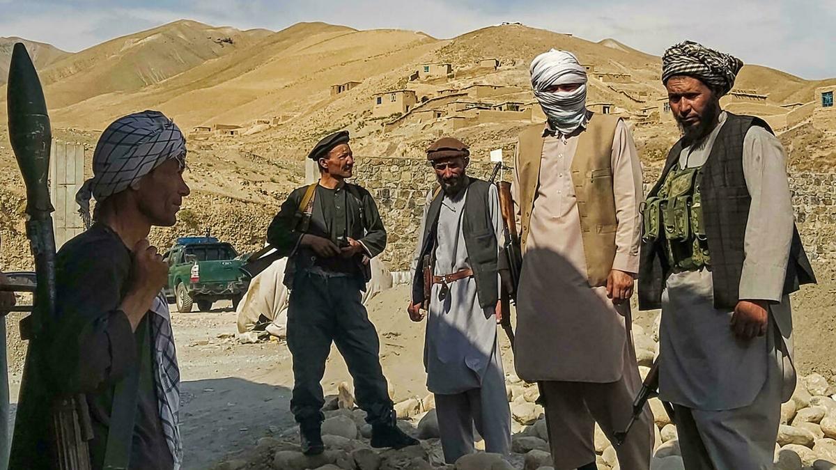 توقف التجارة بين إيران وأفغانستان بعد سيطرة طالبان على المعابر