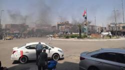 صور .. محتجون ينفذون حملة لحرق الشوارع في الناصرية
