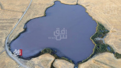 """فيديو.. بحيرة كوردستان """"المعجزة"""".. """"علاج فعال"""" بطين مياه """"خارقة للطبيعة"""""""