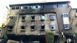 مصرع طفلة وحالات اختناق شديدة بنشوب حريق كبير بفندق في كربلاء .. فيديو