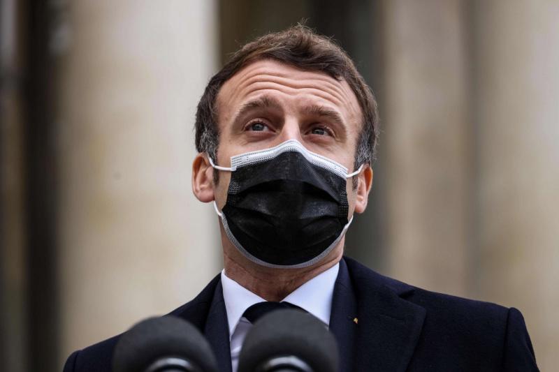 Macron meets AANES representatives in Paris