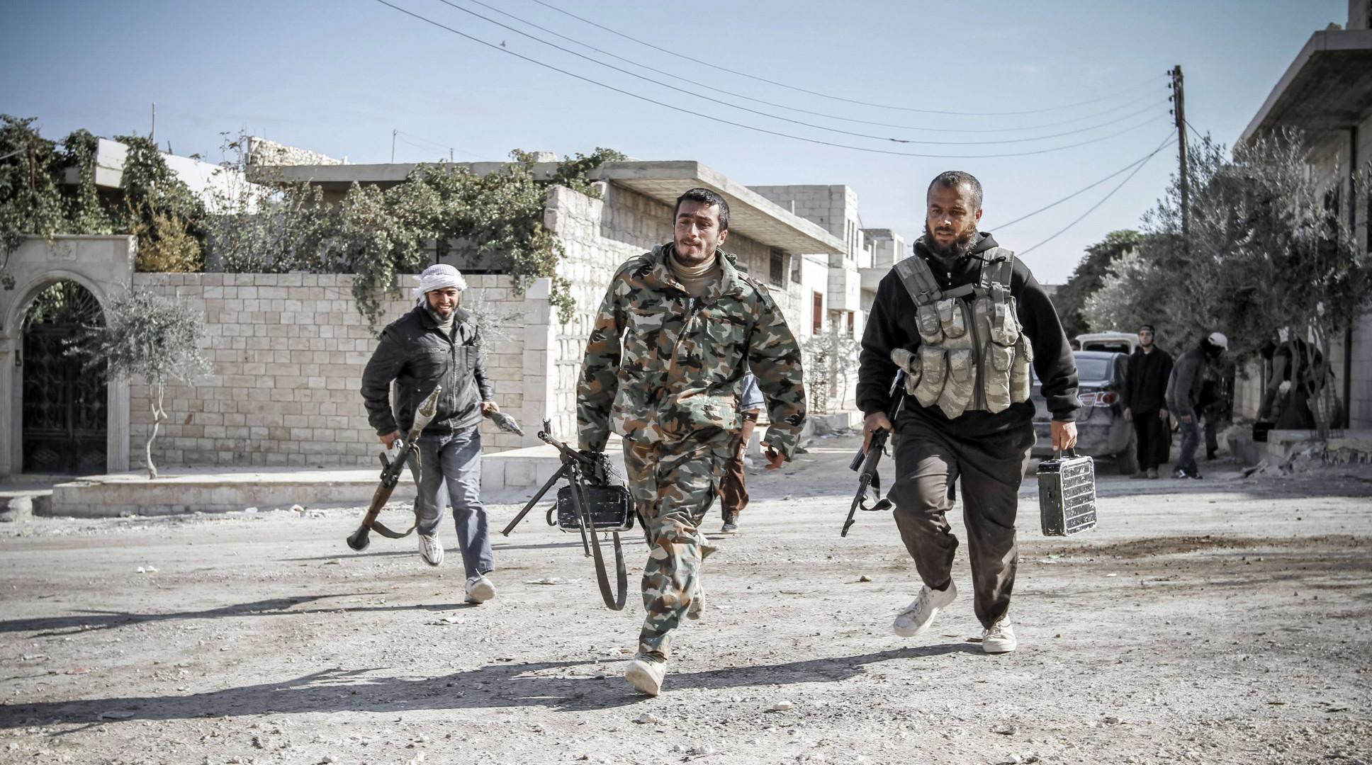 تقرير: بريطانيا دعمت المعارضة السورية المسلحة بقرابة نصف مليار دولار