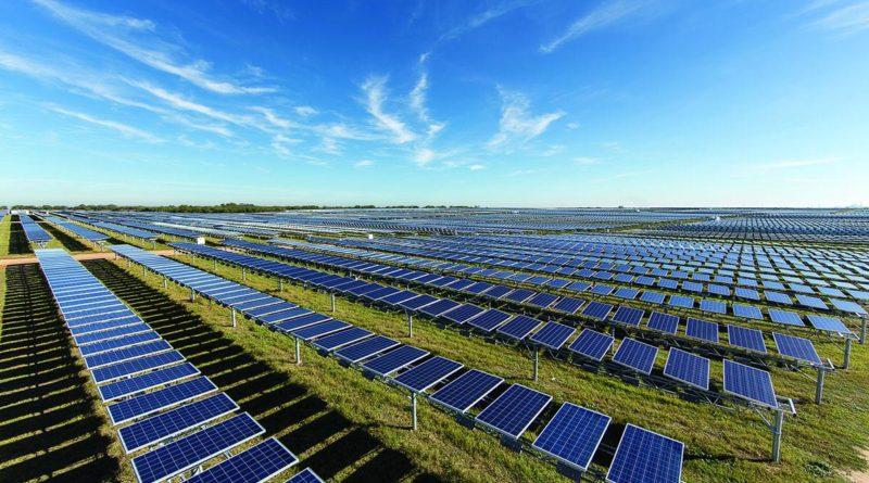 خبير يرفض التوسع باستخدام الطاقة الشمسية لتوليد الكهرباء بديلا عن النفط
