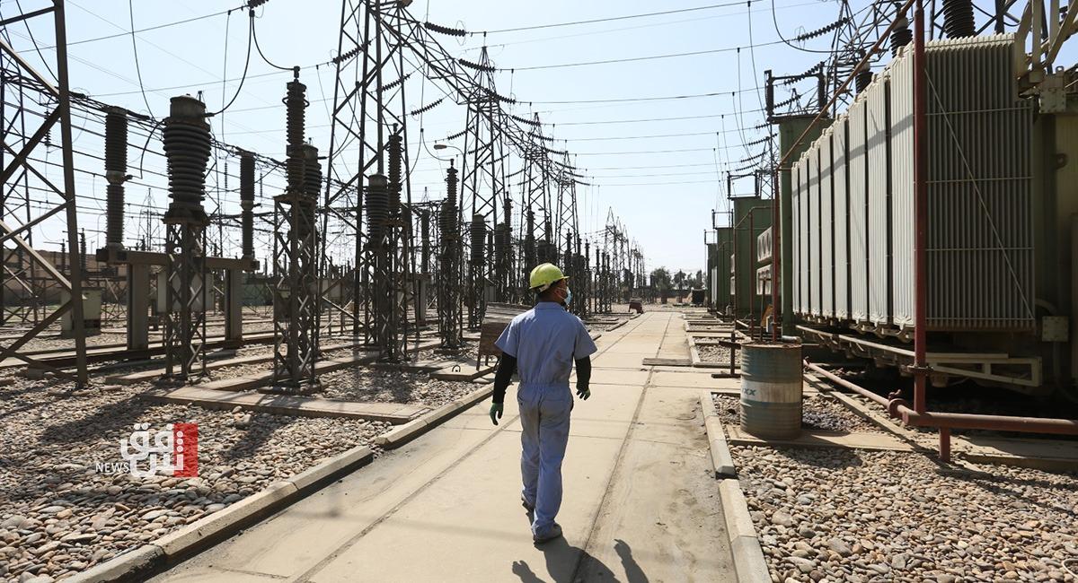 إيران تخفّض إمدادات الكهرباء إلى محافظة عراقية قرابة 50%