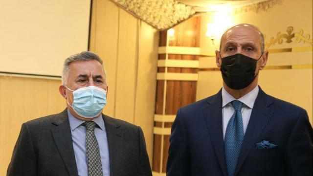 درجال وبنيان إلى أسبانيا للاتفاق مع المدرب الهولندي لقيادة منتخب العراق
