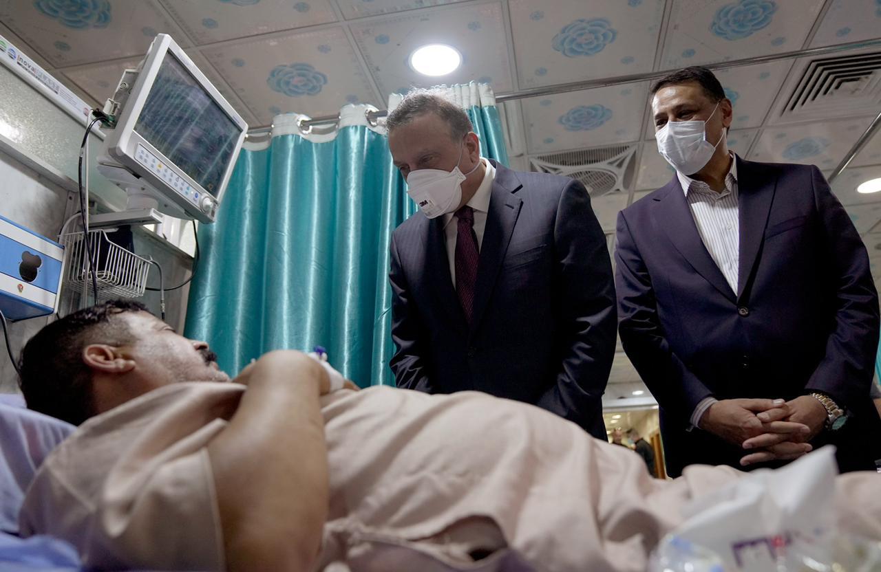 الكاظمي يأسف لأوضاع المستشفيات العراقية: لا تليق بسمعة الطب والأطباء