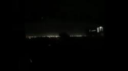 أمر غير مألوف.. ظلام دامس يخيم على مطار بغداد الدولي (فيديو)