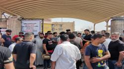 ذي قار.. محتجون يغلقون مبنى حكومياً للمطالبة بإقالة مسؤول صحي