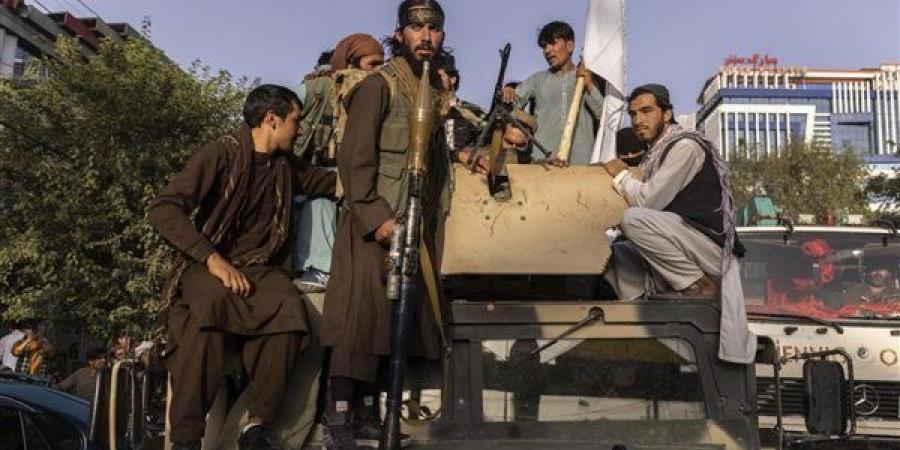 """طالبان ترسل مئات المقاتلين للسيطرة على """"الأسود الخمسة"""""""