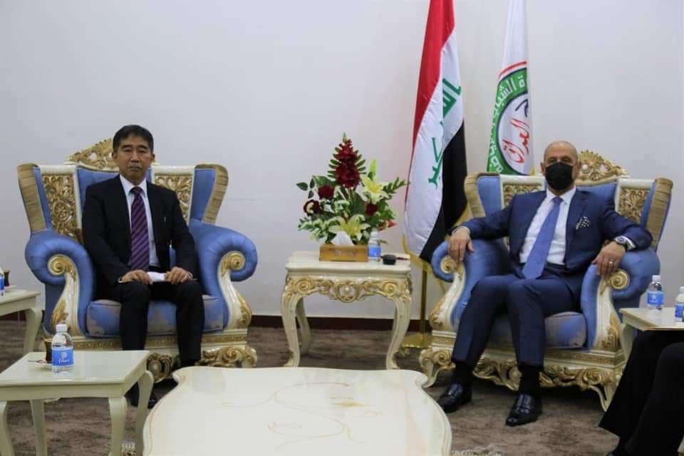 العراق يبحث الاستفادة من التجربة اليابانية في قطاعي الشباب والرياضة